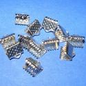 Szalagvég (446/B minta/10 db) - 8x7x5 mm, Gyöngy, ékszerkellék,  Szalagvég (446/B minta) - platinum színben  Mérete: 8x7x5 mm  Az ár 10 darab termékre vonatkoz..., Alkotók boltja