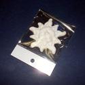 Fehér cserépfigura (8x8 cm/1 db) - nap, Díszíthető tárgyak, Cserép,  Fehér cserépfigura - akasztható - nap  Mérete: 8x8 cmFurat: 2,5 mm  Az ár egy darab termékre ..., Alkotók boltja