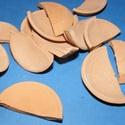 Mini cserépdísz (4x2 cm/1 db) - fél tál, Díszíthető tárgyak, Cserép,  Mini cserépdísz  - fél tál  Mérete: 4x2 cm  Az ár egy darab termékre vonatkozik.  , Alkotók boltja