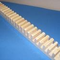 Fa CD-tartó (1 db), Fa,  Fa CD-tartó - falra szerelhető - 21 db-os  Mérete: 50x4,5 cmAnyaga: natúr fa  Az ár egy darab ..., Alkotók boltja