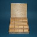 Fa gyöngytartó doboz (tolótetős/1 db), Fa, Famegmunkálás, Egyéb fa,  Fa gyöngytartó (vagy más) doboz - tolótetős - 16 rekeszes  Mérete: 20x20x3,5 cmAnyaga: natúr fa, n..., Alkotók boltja