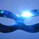 Hologramos papír szemálarc (19x6 cm/1 db) - kék, Díszíthető tárgyak, Papírmasé, Mindenmás,  Hologramos papír szemálarc - kék - gumival  Mérete: 19x6 cm Az ár egy darab termékre vonatkozik. , Alkotók boltja