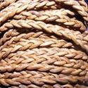 Fonott bőrszíj - 5x2 mm (4. minta - LAPOS/0,5 m) - világosbarna, Vegyes alapanyag, Egyéb alapanyag,  Fonott bőrszíj (4. minta) - lapos - világosbarnaValódi bőr alapanyagból készült fonott, lap..., Alkotók boltja