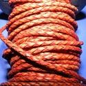 Fonott bőrszíj - 2,5 mm (20. minta/0,5 m) - vöröses barna, Vegyes alapanyag, Egyéb alapanyag, Bőrművesség,  Fonott bőrszíj (20. minta) - vöröses barnaValódi bőr alapanyagból készült fonott, hengeres szíj.Át..., Alkotók boltja