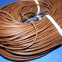 Hasított bőrszíj - 2 mm (10. minta/1 m) - saddle barna, Vegyes alapanyag, Egyéb alapanyag, Bőrművesség,  Hasított bőrszíj (10. minta) - tekercses - saddle barna  Mérete: 2 mm átmérőjű Valódi hasított ma..., Alkotók boltja
