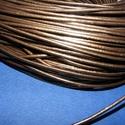 Hasított bőrszíj - 2 mm (4. minta/1 m) - metál bronz, Vegyes alapanyag, Egyéb alapanyag, Bőrművesség,  Hasított bőrszíj (4. minta) - tekercses - metál bronz színben  Mérete: 2 mm átmérőjű Valódi hasít..., Alkotók boltja