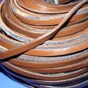 Lapos bőrszíj - 6x2,5 mm (9. minta/1 m) - sötétbarna, Vegyes alapanyag, Egyéb alapanyag, Bőrművesség,  Lapos bőrszíj (9. minta) - tekercses - sötétbarna  Mérete: 6x2,5 mm átmérőjűValódi hasított marhab..., Alkotók boltja