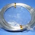 Alumínium drót-1 (1,5 mm/~ 10 m) - ezüst, Gyöngy, ékszerkellék, Drót, Ékszerkészítés, Fűzőszál,  Alumínium drót-1 - ezüstVastagsága: ? 1,5 mmHossza: 10 mAz ár 1 csomagra vonatkozik.  , Alkotók boltja