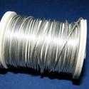 Gyöngyfűző drót (? 1 mm/1 db) - ezüst színű, Gyöngy, ékszerkellék, Drót, Ékszerkészítés, Fűzőszál,  Gyöngyfűző drót - ezüst színű  Kiváló minőségű, fűzésre alkalmas ékszerdrót. Mérete: ? 1 mmA teker..., Alkotók boltja