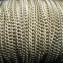 Bronz színű lánc (50. minta/1 m) - 4,5x3x1 mm, Gyöngy, ékszerkellék,  Bronz színű lánc (50. minta)  A szem mérete: 4,5x3x1 mm A feltüntetett ár 1 méter láncra v..., Alkotók boltja