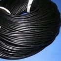 Hasított bőrszíj - 3 mm (1. minta/1 m) - fekete , Egyéb alapanyag, Bőrművesség,  Hasított bőrszíj (1. minta) - tekercses - fekete  Valódi hasított marhabőrből készült.  Mérete: 3 ..., Alkotók boltja
