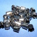 Gyöngykupak (42. minta/4 db) - fekete, Egyéb alkatrész, Ékszerkészítés,  Gyöngykupak (42. minta) - fekete  Mérete: 8x6 mm  Az ár 4 darab termékre vonatkozik    , Alkotók boltja