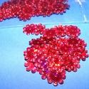 Flitter-40 (3 g) - hologramos piros (virág), Gyöngy, ékszerkellék, Varrás,  Flitter-12 - hologramos piros - virág  Mérete: Ø 12 mmA furat mérete: 1 mm  Kiszerelés: 3 g ..., Alkotók boltja