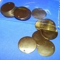 Flitter-54 (3 g) - arany (korong), Gyöngy, ékszerkellék, Varrás,    Flitter-54 - arany - korong  Mérete: Ø 20 mmA furat mérete: 1 mm  Kiszerelés: 3 g (kb. 24 ..., Alkotók boltja