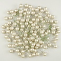 Koszorúdísz-20 (12 mm/20 db) - gyöngyház fehér bogyó, Vegyes alapanyag,   Koszorúdísz-20 - gyöngyház fehér bogyó    Mérete (bogyó): 12 mmSzár hossza: 6 cmAnyaga: műanyag ..., Alkotók boltja