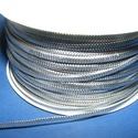 Lapos metál szalag (1 m) - ezüst, Textil,  Lapos metál szalag - ezüst színben  Rendkívül dekoratív, fényes szalagSzélessége: 2,5 mm  ..., Alkotók boltja