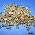 Csavar-6 (10x2,5 mm/10 db) - sárga, Csat, karika, zár,  Csavar-5 - sárga színű  Mérete: 10x2,5 mmFejátmérő: 4 mm  A csomag tartalma 10 db csavar Az ár egy ..., Alkotók boltja