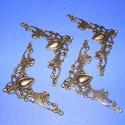 Fémsarok (18. minta/1 db) - 41x41 mm, Csat, karika, zár,  Fémsarok (18. minta) - antik bronz színben - díszes    A terméket számtalan dekorációs lehetőségr..., Alkotók boltja