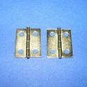 Zsanér (17. minta/1 db) - 18x14 mm, Csat, karika, zár, Mindenmás,   Zsanér (17. minta) - arany színben  A zsanér mérete (nyitottan): 18x14 mmA furat mérete: 2,5 mm  ..., Alkotók boltja