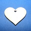 Fa alap (119. minta/1 db) - kicsi szív, Fa, Famegmunkálás, Egyéb fa,  Fa alap (119. minta) - kicsi szív - szív alakú furattal    Mérete: 3x2,7 cmAnyaga: natúr rétegel..., Alkotók boltja