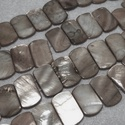 Fúrt kagyló ékszer alap (88. minta/4 db) - szürke, Gyöngy, ékszerkellék,  Fúrt kagyló ékszer alap (88. minta) - szürke   Az ékszerkészítés dekoratív kiegészítője..., Alkotók boltja