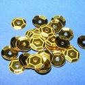 Flitter-5 (3 g) - aranysárga (kerek), Gyöngy, ékszerkellék, Varrás,  Flitter-5 - aranysárga - kerek  Mérete: Ø 6-7 mmA furat mérete: 1 mm  Kiszerelés: 3 g (kb. 210 db..., Alkotók boltja