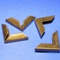 Fémsarok (3. minta/1 db) - 16x16 mm, Csat, karika, zár,  Fémsarok (3. minta) - bronz színben    Elsősorban könyvek, albumok sakainak dekorálásához ajánlju..., Alkotók boltja