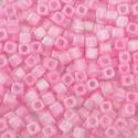 Szögletes gyöngy (10. minta/15 g) - gyöngyház rózsaszín, Gyöngy, ékszerkellék, Gyöngy,  Szögletes gyöngy (10. minta) - rózsaszín - gyöngyház fényű  Kiszerelés: 15 g (kb. 160 db gyöngy)  ..., Alkotók boltja