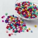 Szögletes gyöngy (16. minta/15 g) - mix, Gyöngy, ékszerkellék, Ékszerkészítés, Gyöngy,  Szögletes gyöngy (16. minta) - vegyes színek  Kiszerelés: 15 g (kb. 160 db gyöngy)  A gyöngyszem m..., Alkotók boltja