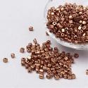 Szögletes gyöngy (14. minta/15 g) - metál bronz, Gyöngy, ékszerkellék, Gyöngy,  Szögletes gyöngy (14. minta) - metál bronz - matt  Kiszerelés: 15 g (kb. 160 db gyöngy)  A gyöngys..., Alkotók boltja