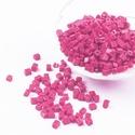Szögletes gyöngy (35. minta/15 g) - gyöngyház fukszia, Gyöngy, ékszerkellék, Gyöngy,  Szögletes gyöngy (35. minta) - fukszia - gyöngyház fényű  Kiszerelés: 15 g (kb. 160 db gyöngy)  A ..., Alkotók boltja