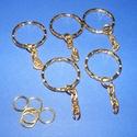 Kulcskarika lánccal (468/B minta/1 db) - 25 mm, Csat, karika, zár, Mindenmás,  Kulcskarika lánccal (468/B minta) - arany színben  Méretei:Kulcskarika: 25x3 mmLánc: 22 mm A kulc..., Alkotók boltja