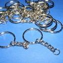 Kulcskarika lánccal (468/E minta/1 db) - 25 mm, Csat, karika, zár, Mindenmás,  Kulcskarika lánccal (468/E minta) - nikkel színben  Méretei:Kulcskarika: 25x2 mmLánc: 25 mmCstalak..., Alkotók boltja