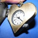 """Ékszeróra (szív - """"happy"""") - láncos, Órakészítés, Mindenmás,  Ékszeróra - szív alakú - """"happy"""" felirattal - strasszkővel - láncos - antik bronz színben  Az óra ..., Alkotók boltja"""