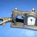 Ékszeróra (varrógép) - kulcstartós, Órakészítés, Mindenmás,  Ékszeróra - varrógép - kulcstartós - antik bronz színben  Az óra üzemképes, elemmel ellátott.  Mér..., Alkotók boltja