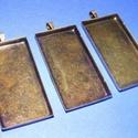 Medál alap (107. minta/1 db), Gyöngy, ékszerkellék, Ékszerkészítés,  Medál alap (107. minta) - téglalap - antik bronz színben  Mérete: 50x25x4 mm A medálhoz a 911-es ..., Alkotók boltja