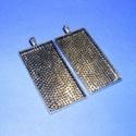 Medál alap (107/2. minta/1 db), Gyöngy, ékszerkellék, Ékszerkészítés,  Medál alap - téglalap (107/2. minta) - antik ezüst színben  Mérete: 52x27x4 mm; a belső mérete: 50..., Alkotók boltja