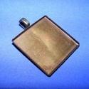 Medál alap (162/2. minta/1 db), Gyöngy, ékszerkellék, Ékszerkészítés,  Medál alap (162/2. minta) - szögletes - antik bronz színben  Mérete: 26x26x3 mmA belső méret..., Alkotók boltja
