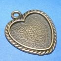 Medál alap (165/A minta/1 db), Gyöngy, ékszerkellék, Ékszerkészítés,  Medál alap (165/A minta) - szív alakú - antik bronz színben  Mérete: 38x32x2 mmA belső mérete: 25x..., Alkotók boltja