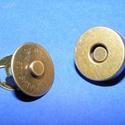 Mágneses táskakapocs (24/B minta/1 db) - bronz, Gyöngy, ékszerkellék, Ékszerkészítés,      Mágneses táskakapocs (24/B minta) - bronz színben Mérete: Ø 15 mm   Az ár egy darab termékre v..., Alkotók boltja