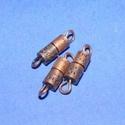 Csavaros kapocs (341/F minta/1 db) - 9x4 mm, Gyöngy, ékszerkellék,  Csavaros kapocs (341/F minta) - réz  színben  Mérete: 9x4 mm  Az ár egy darab termékre vonatko..., Alkotók boltja