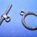 T-kapocs (336/C minta/1 db) - 16 mm, Gyöngy, ékszerkellék, Ékszerkészítés,  T-kapocs (336/C minta) - ezüst színben  Méretei:Karika: 16 mmRúd: 27 mm  Az ár 1 darab termékre vo..., Alkotók boltja