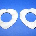 Fúrt kagyló ékszer alap (52. minta/2 db) - fehér, Gyöngy, ékszerkellék,  Fúrt kagyló ékszer alap (52. minta) - fehér - szív alakú  Az ékszerkészítés dekoratív ki..., Alkotók boltja