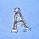 Medál (1 db) - A betű, Gyöngy, ékszerkellék,  Medál (A betű) - ezüst színben  Mérete: 15,5x11x2 mm  Az ár 1 darab termékre vonatkozik...., Alkotók boltja