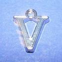 Medál (1 db) - V betű, Gyöngy, ékszerkellék,  Medál (V betű) - ezüst színben  Mérete: 15x12x2 mm  Az ár 1 darab termékre vonatkozik...., Alkotók boltja