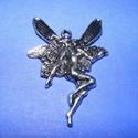 Medál (532. minta/1 db) - tündér, Gyöngy, ékszerkellék,  Fém medál (532. minta) - tündér - antik ezüst színben  Mérete: 42x30 mm  Az ár egy darab te..., Alkotók boltja