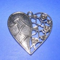 Medál (535. minta/1 db) - szív, Gyöngy, ékszerkellék,  Medál (535. minta) - szív - ezüst színben - strasszolható  Mérete: 47x46 mm  Az ár egy darab..., Alkotók boltja