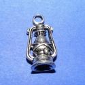 Medál (599. minta/1 db) - lámpa, Gyöngy, ékszerkellék,  Medál (599. minta) - lámpa - antik ezüst színben  Mérete: 19x10x7 mm Az ár 1 db termékre vo..., Alkotók boltja