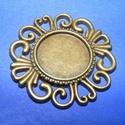 Medál (640. minta/1 db) - virág, Gyöngy, ékszerkellék,  Medál (640. minta) - virág - bronz színben  Mérete: 33x2,5 mmA medál belső mérete: 16 mmA be..., Alkotók boltja