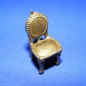 Medál (644. minta/1 db) - szék, Gyöngy, ékszerkellék,  Medál (644. minta) - szék - bronz színben  Mérete: 14x31x13,5 mm Az ár 1 db termékre vonatko..., Alkotók boltja